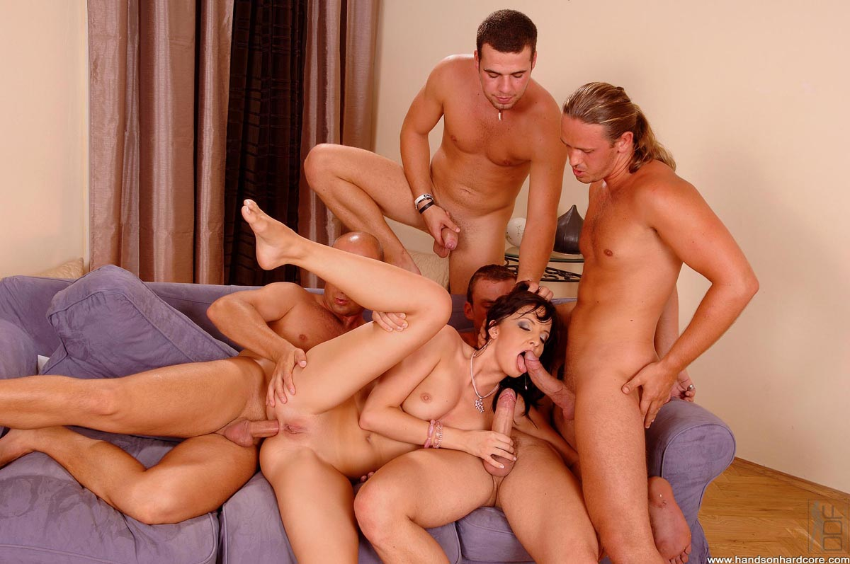 seks-video-s-2-parnyami