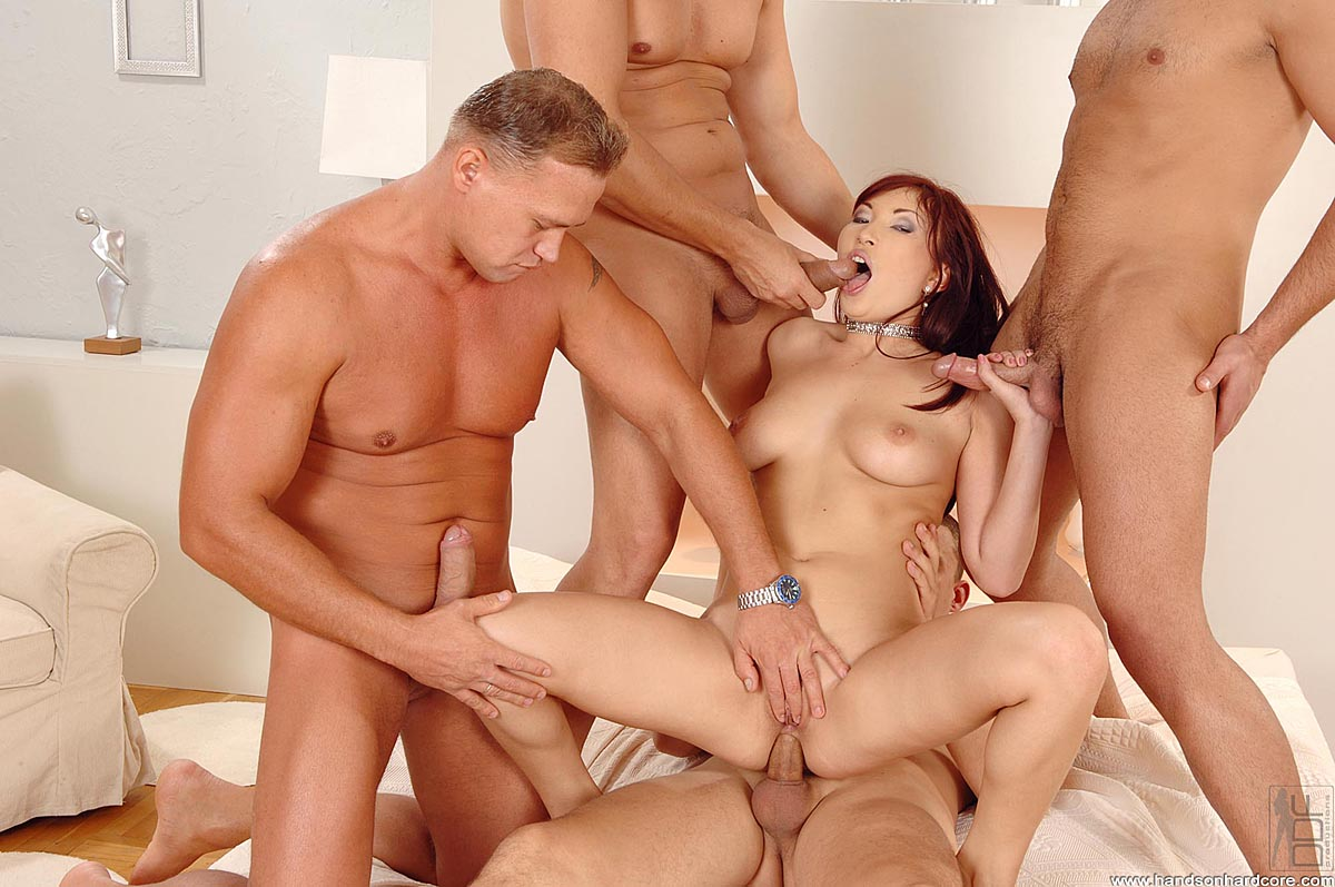 Порно видео красивое группа