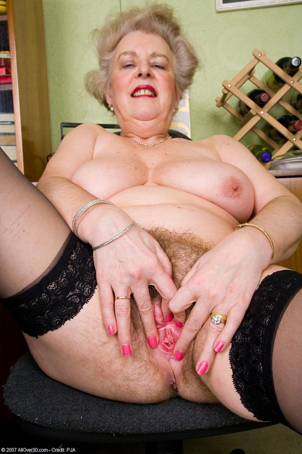 Сексапильные голые старушки 10 фотография