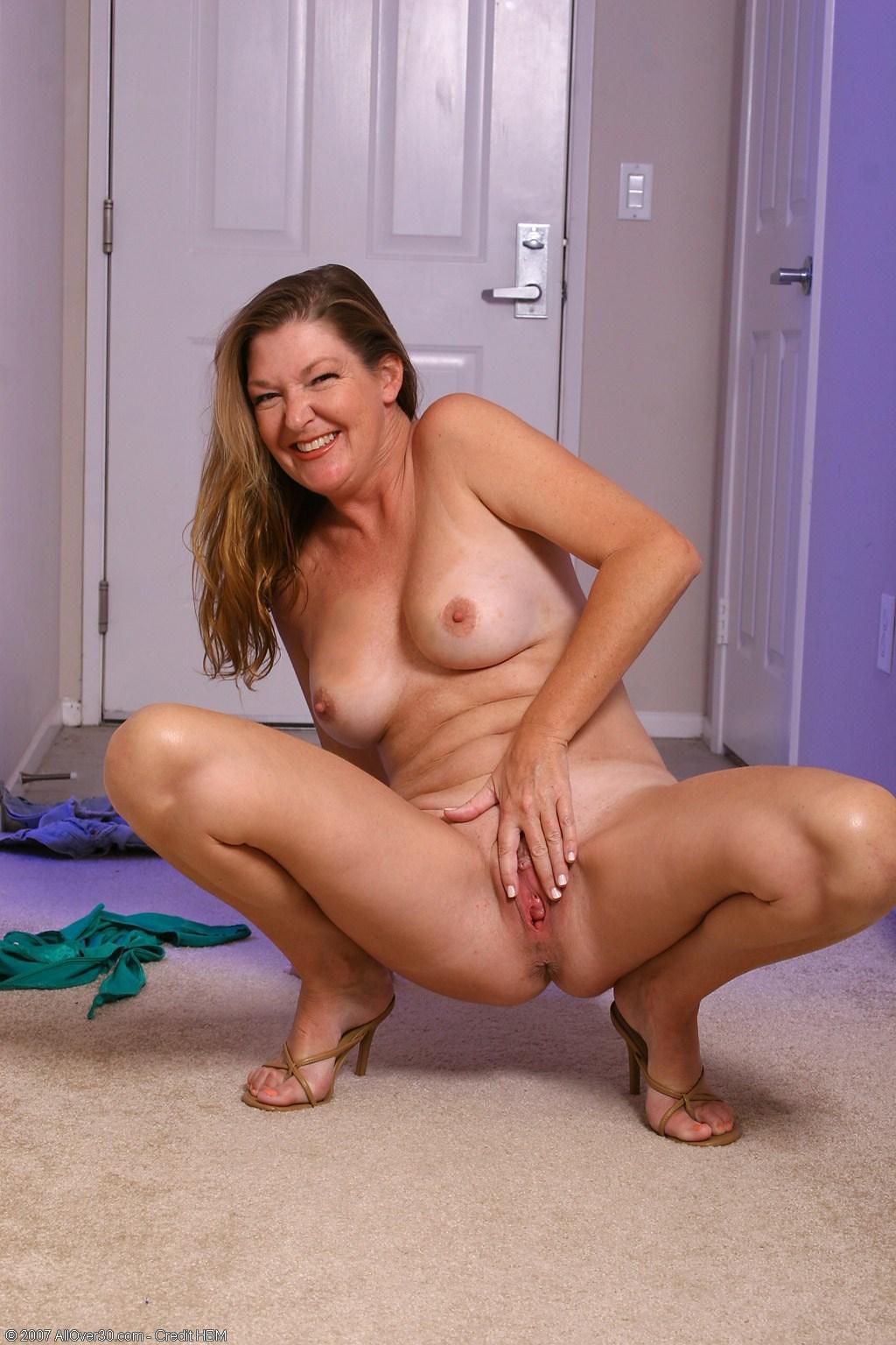 Смотреть порно пожилых женщин бесплатно онлайн 13 фотография