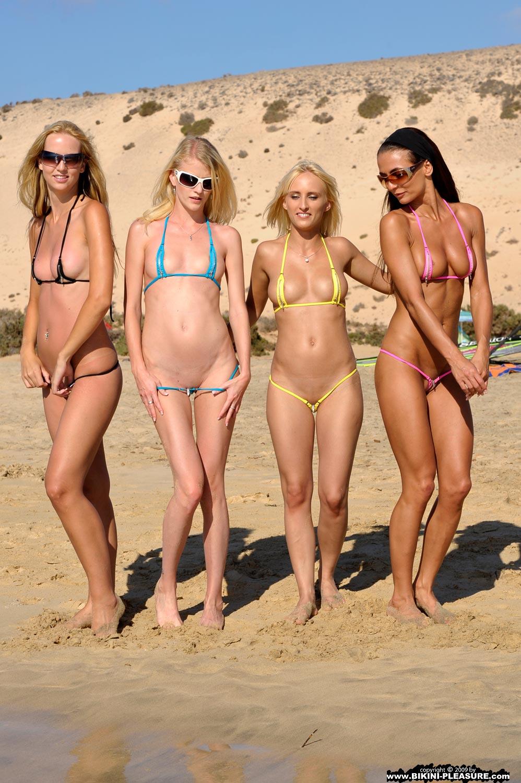 golaya-foto-bikini