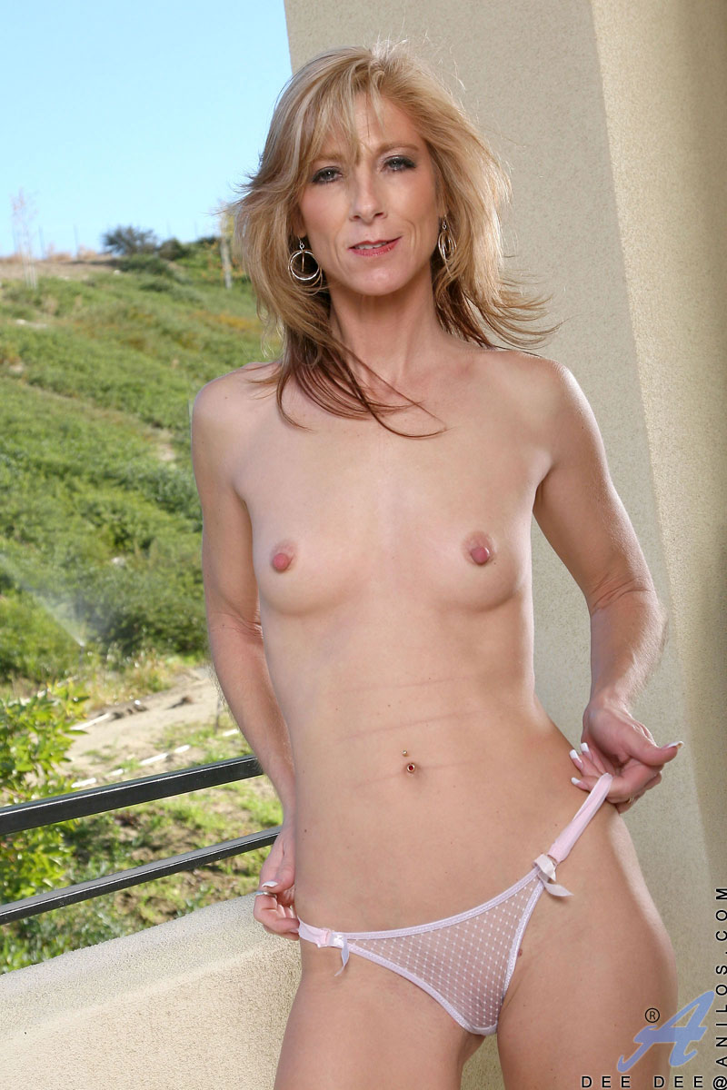 Next door milfs from the usa part 5 - 2 part 5