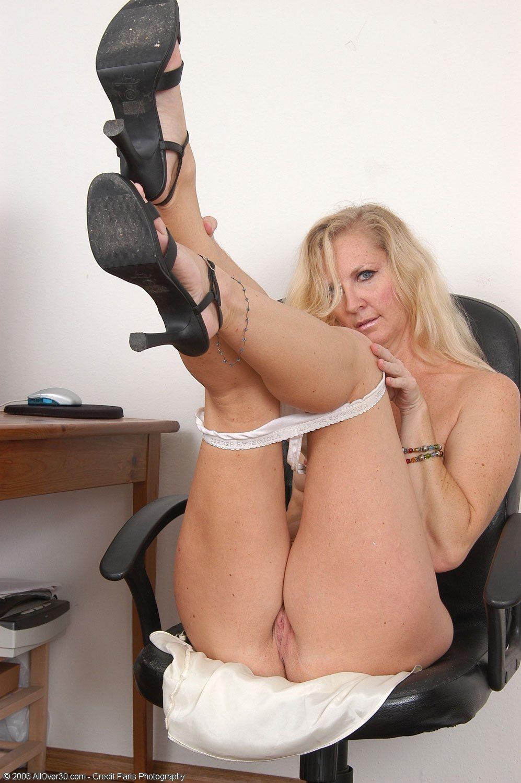 Стриптиз секретарши порно 3 фотография