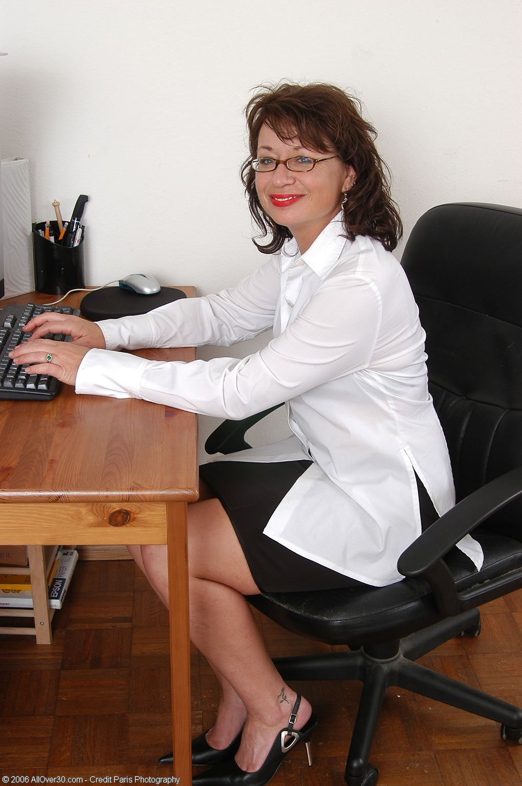 zrelaya-russkaya-sekretarsha