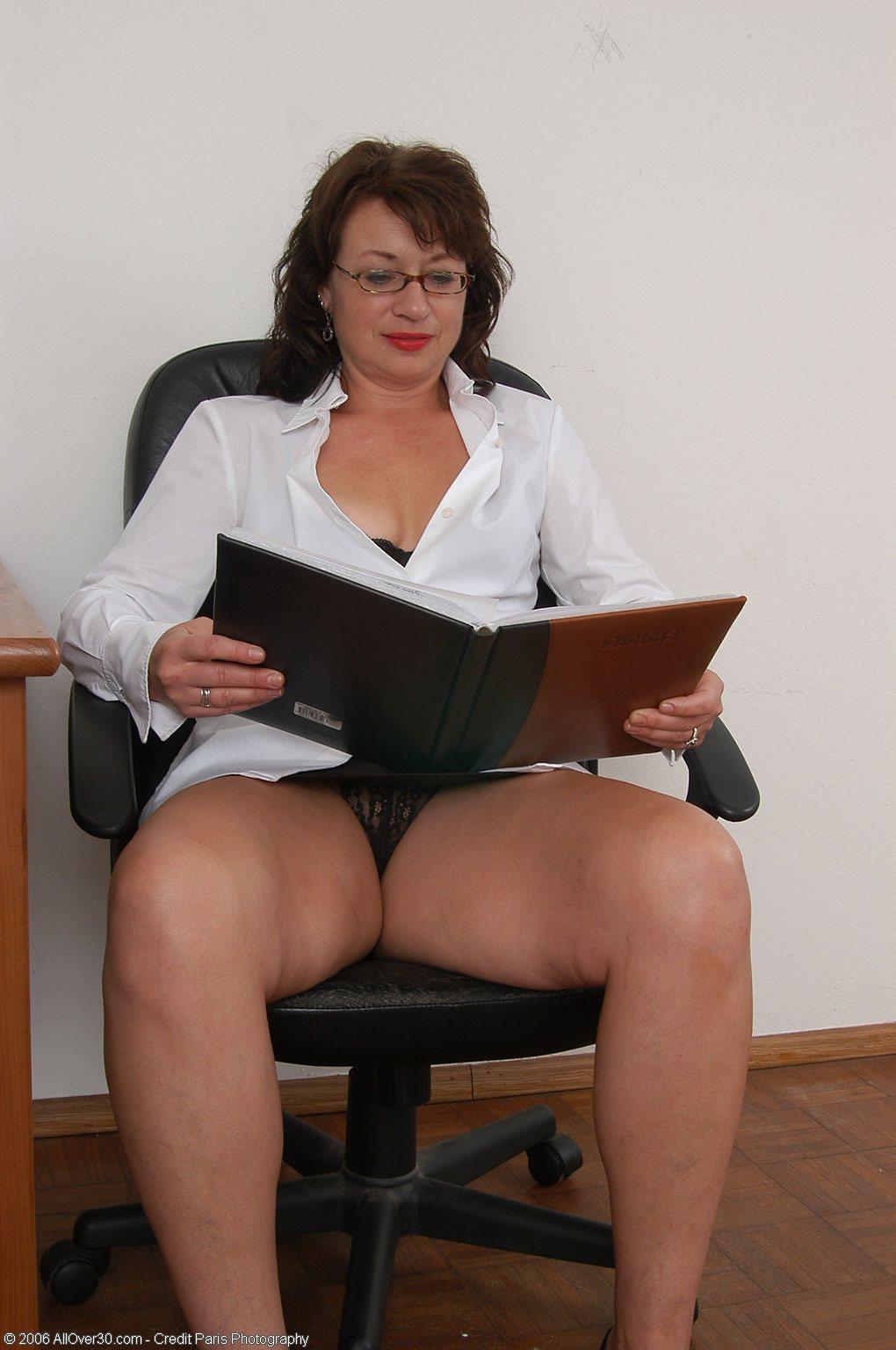 Секс юбке офисе 22 фотография