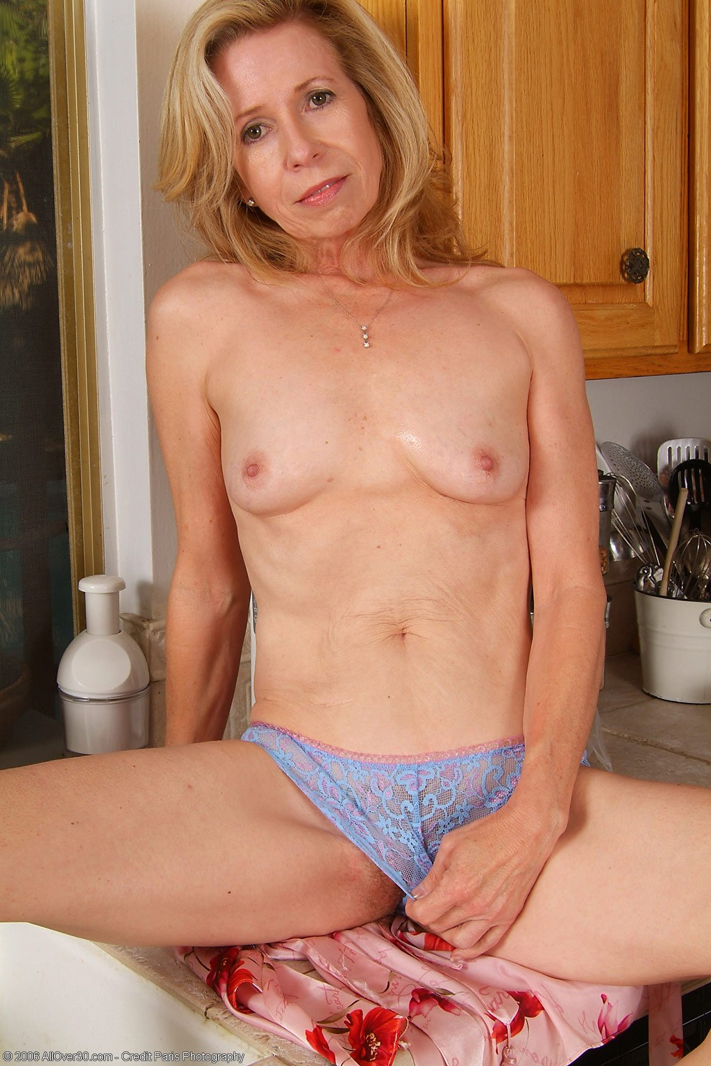 Elegant sex wife milf photos