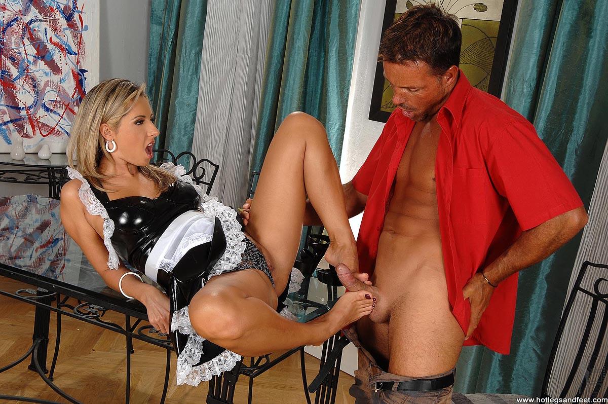 Хозяйка наказала горничную порно, Хозяйка наказала служанку - видео ctr Pages HD 6 фотография