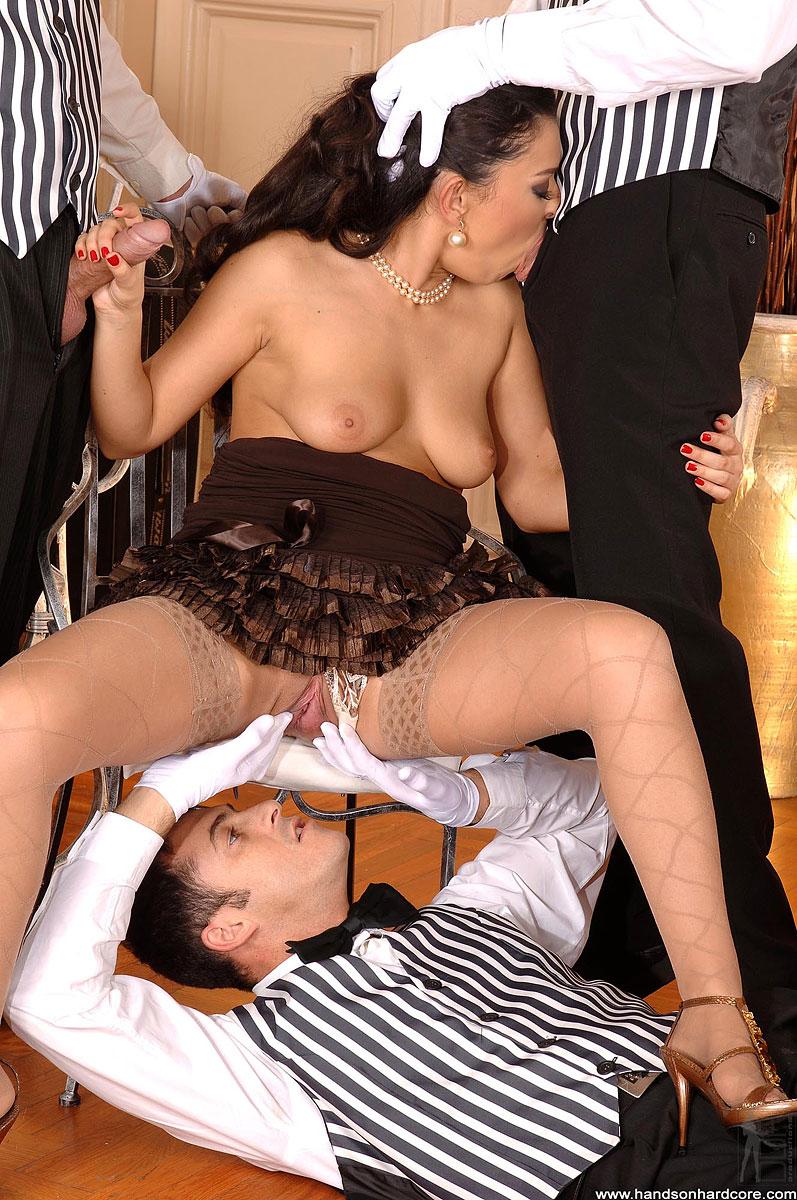 seks-ofitsiantka-foto