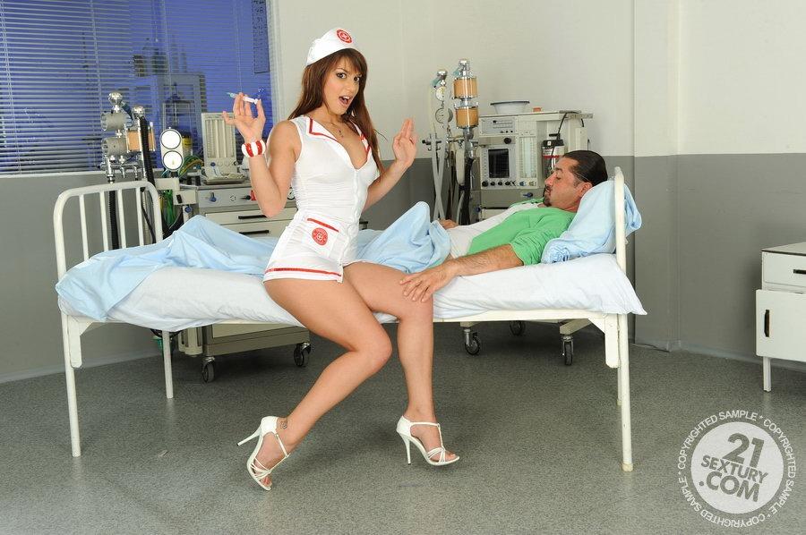 медсестра уколы порно