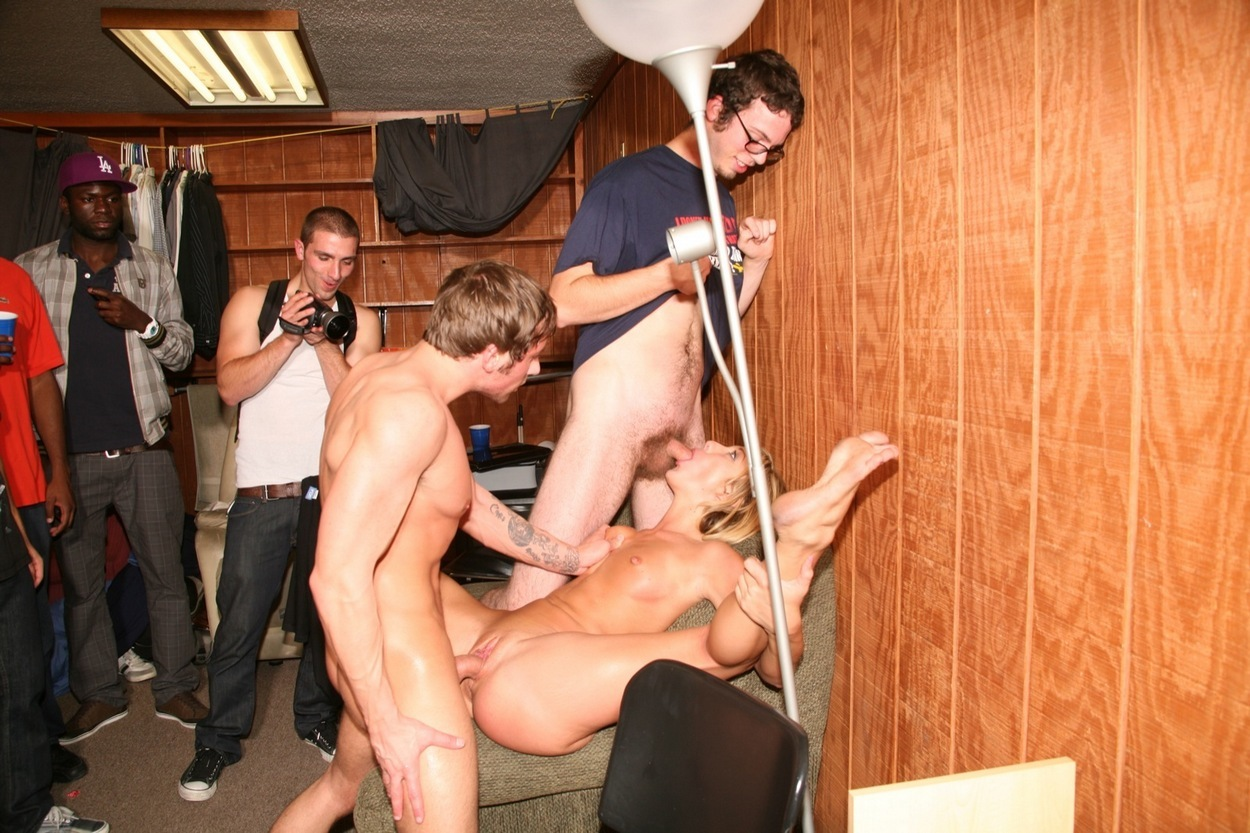 Секс вечеринки письки, Порно вечеринки студентов, Студенческие секс 13 фотография