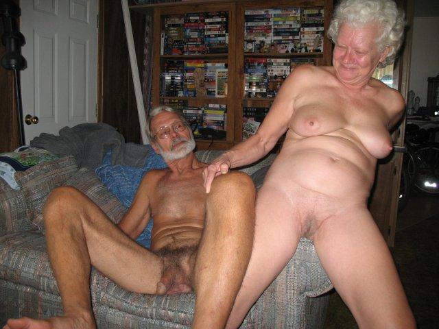 голые дедушки трахают старух фото