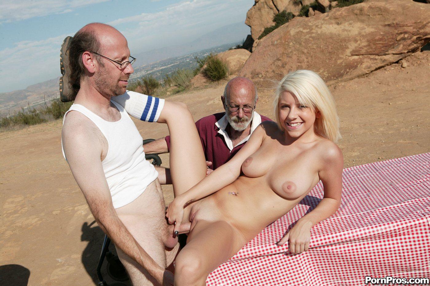 Русские старики с молодыми порно туб 22 фотография