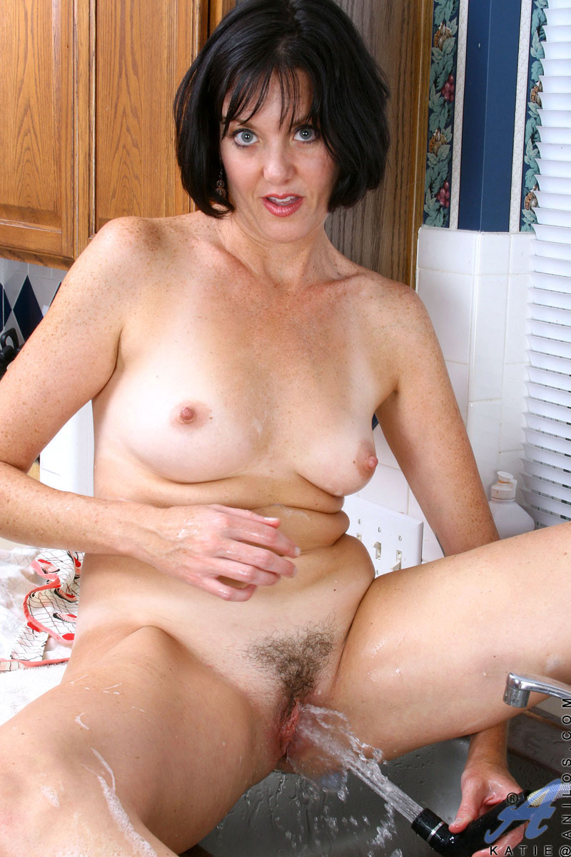 Horny housewife nude