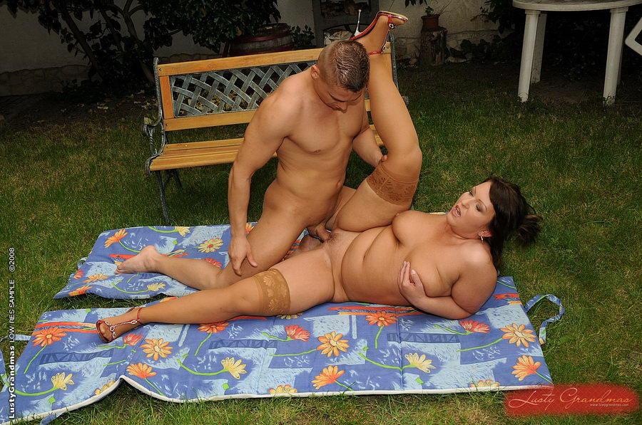 video-erotika-s-tolstushkami