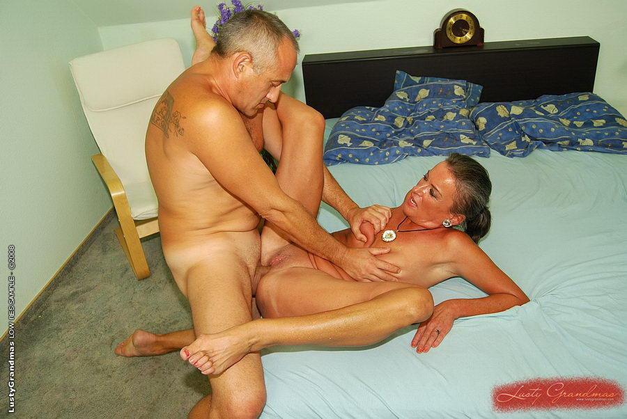 секс пожилых с молодыми фото