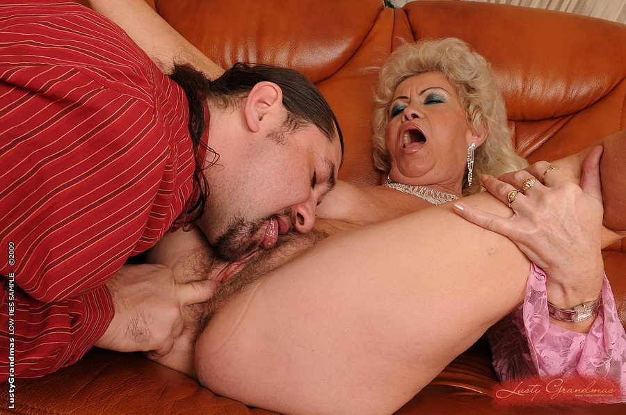 Секс фото бесплатное с бабушками