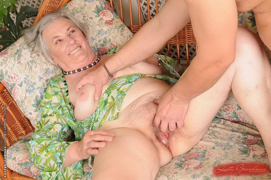 russkoe-porno-pozhilie-zhenshini-lyubyat-masturbirovat