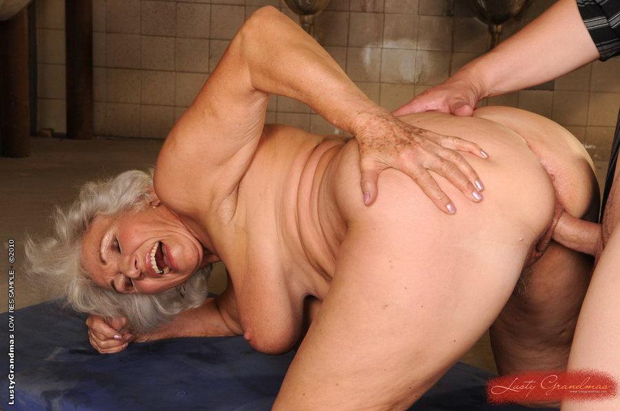 бабушка порно видео анал пердос