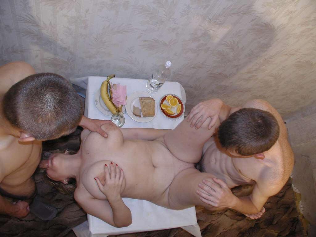 Пьяную мамашу по кругу фото бесплатно 9 фотография