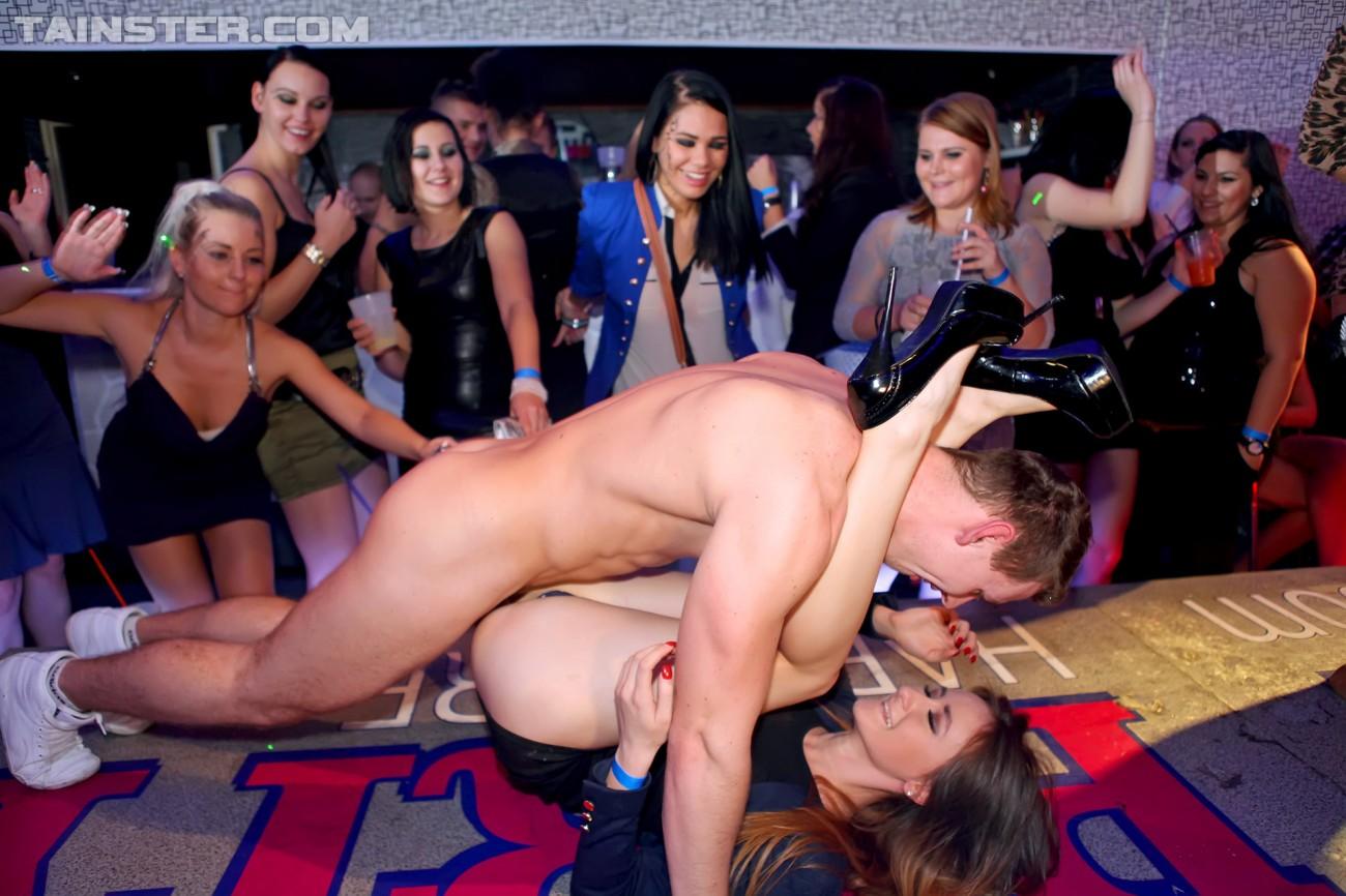 порно видео секс на сцене
