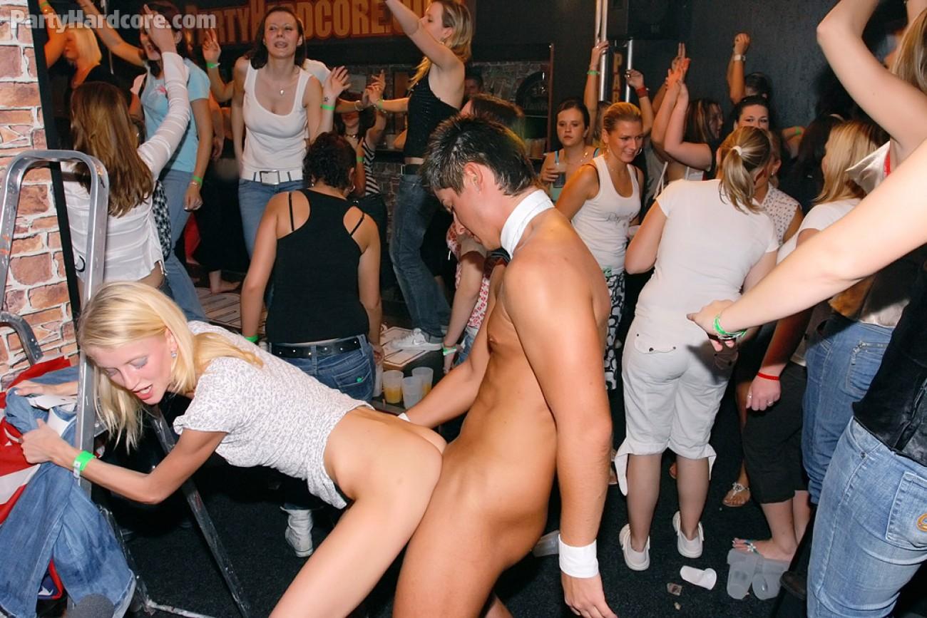 Фото секс с вечеринок, Секс вечеринки - порно фото и видео 14 фотография