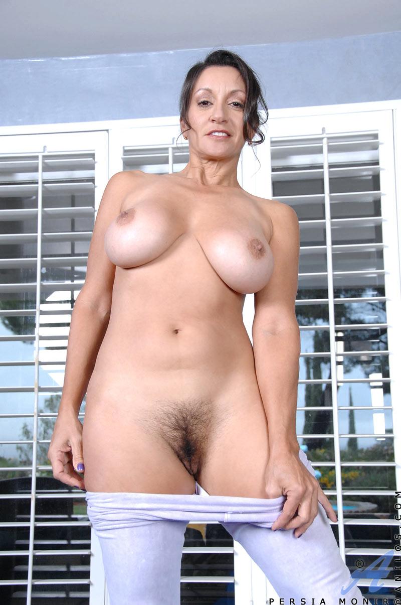 girl fucks herself with weenie pornal