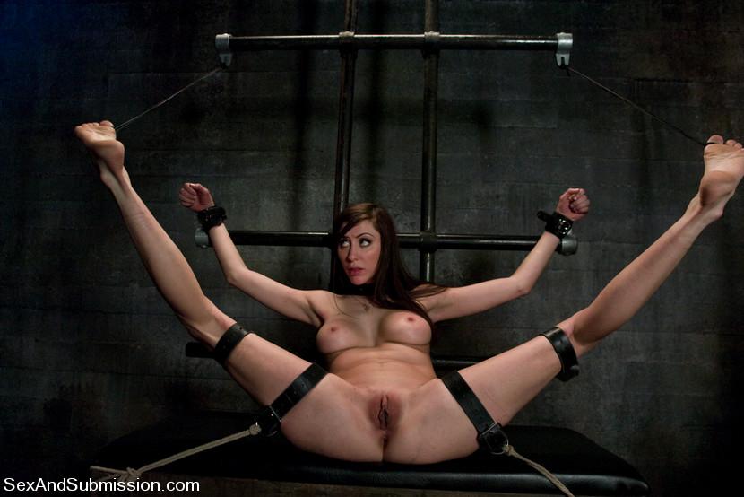 бдсм женщины раздвинуты ноги бесплатное фото