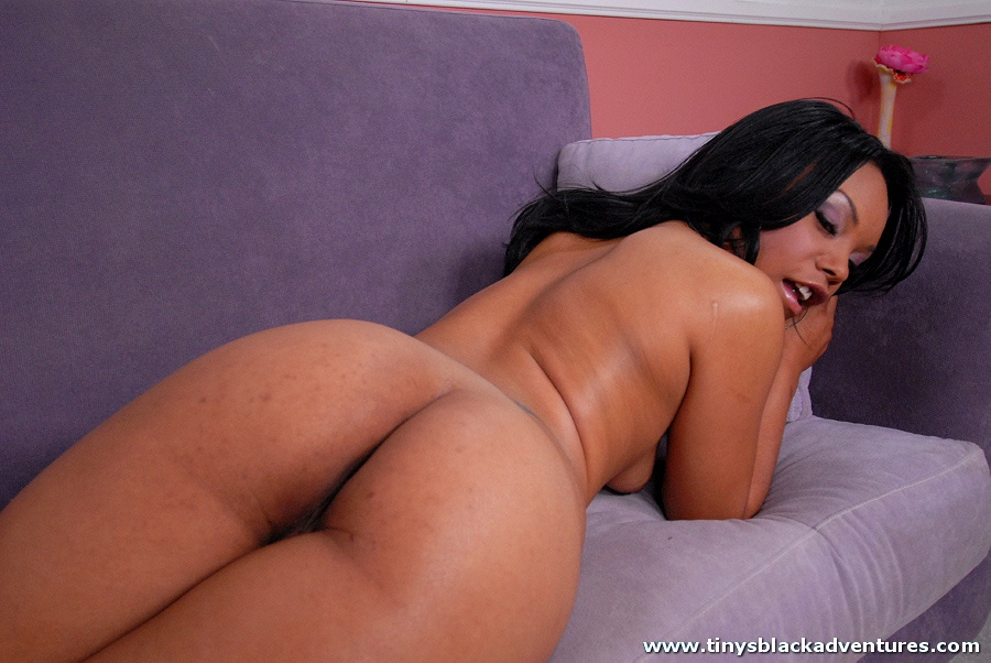 Kim Pleasures Porn 37