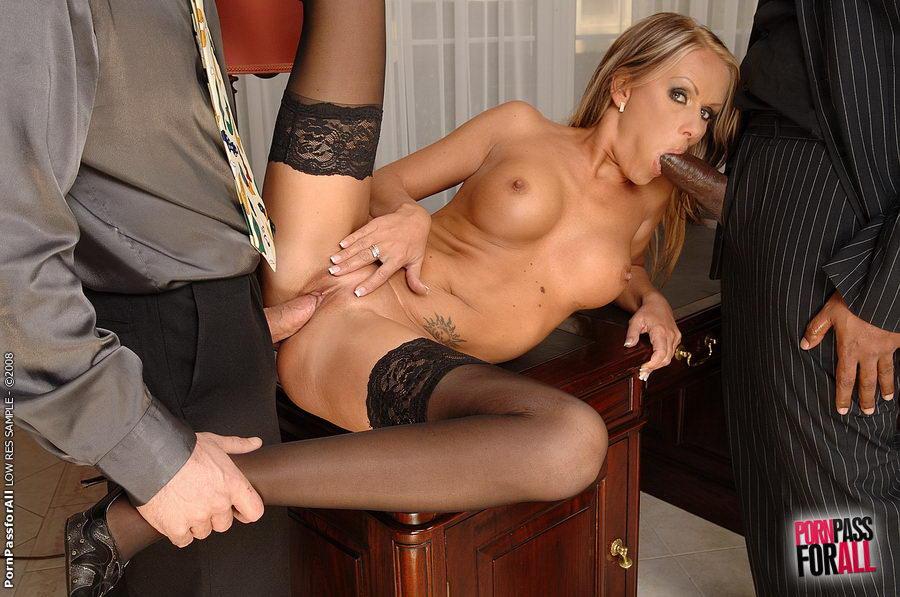 Сексуальная бизнес леди совращает подчиненного порно онлайн — pic 12