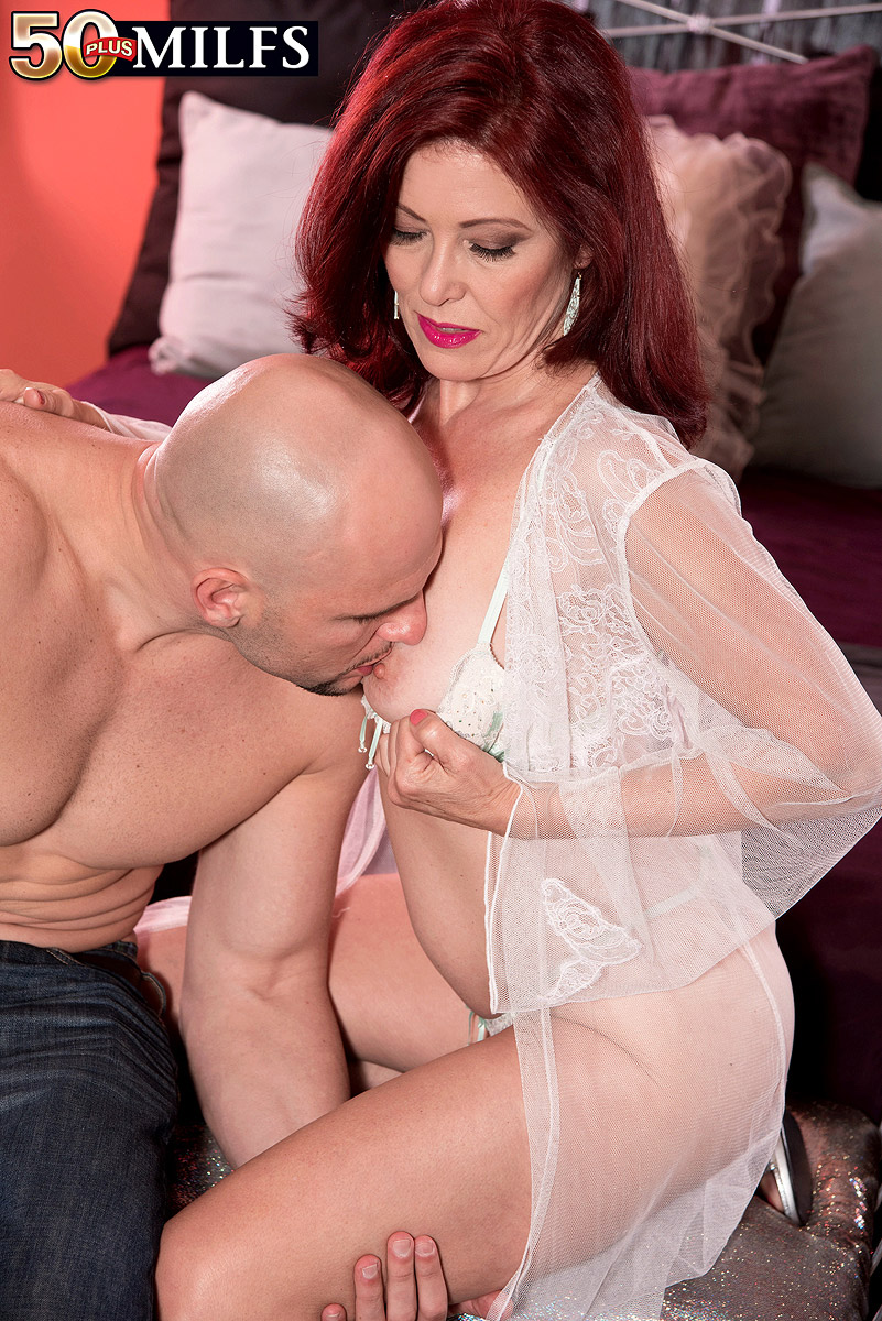 Karups sexy cassie del isla fucks her personal trainer - 2 part 9