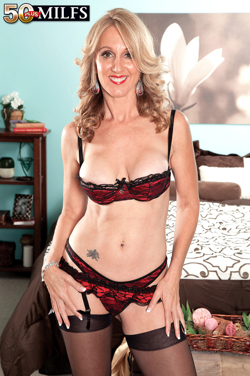Strong big titted cougar jewels jade large XXX