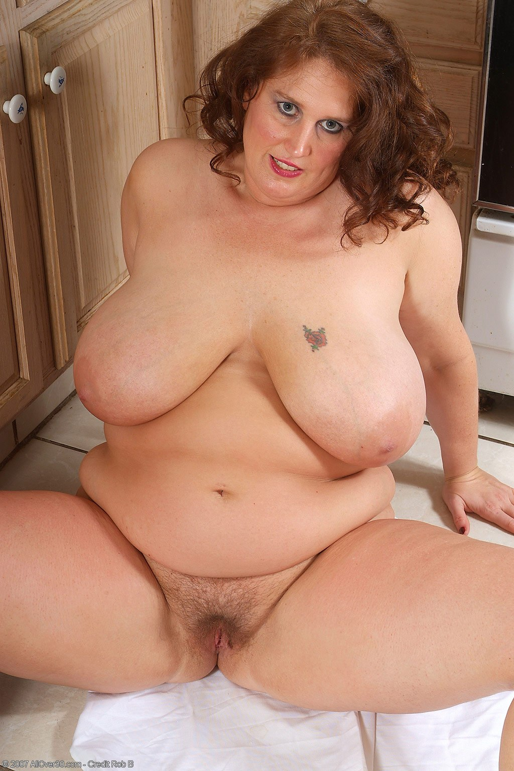 Sexy naked bbw with big boobs