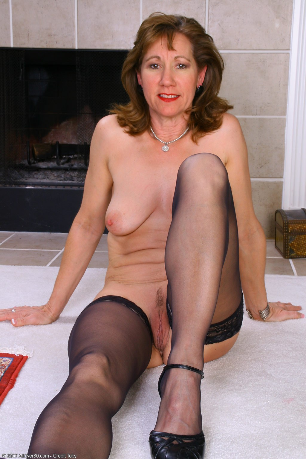 Mature lynn naked, straight piss compilation