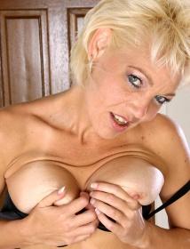 Michelle Thumbnail 5