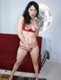Nicole Thumbnail 3