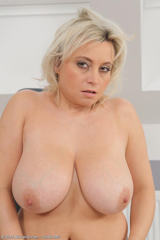 Italian mature porn gallerie pics