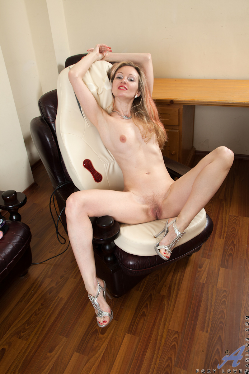 Nudist gallery housewives