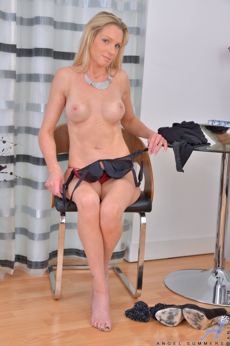 Angell Summers Nue angel summers