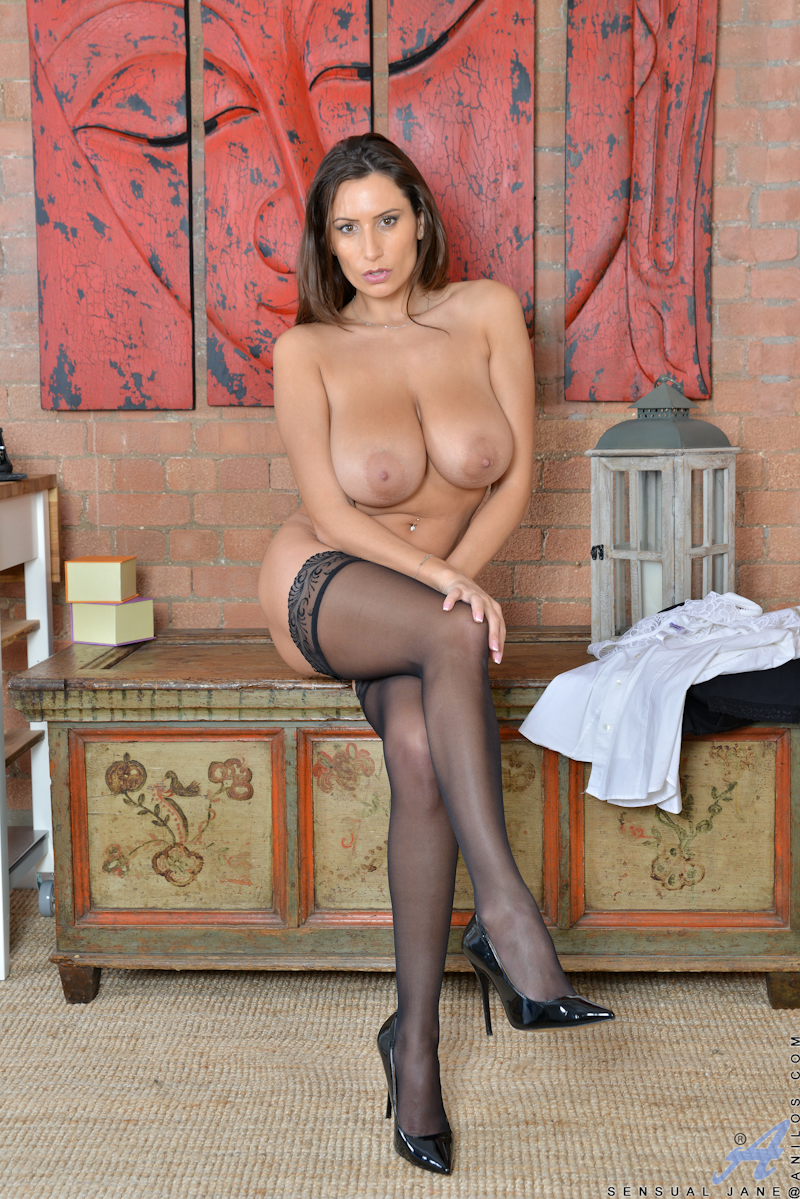 Teasing mature naked wives — photo 8