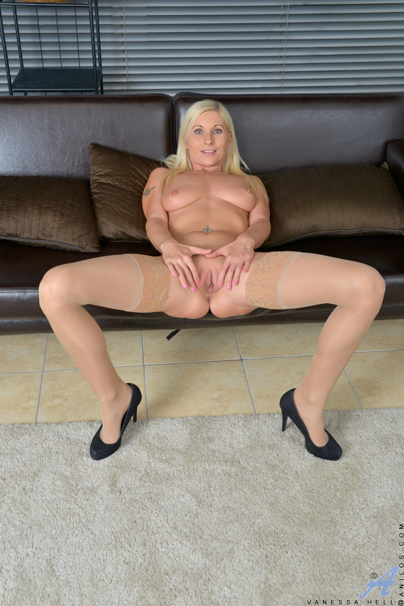 Think, that mature mom next door pussy and