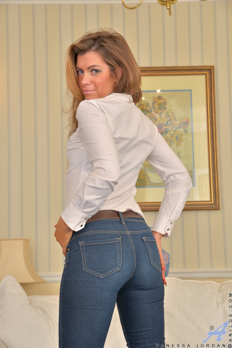 Mature Women In Pants