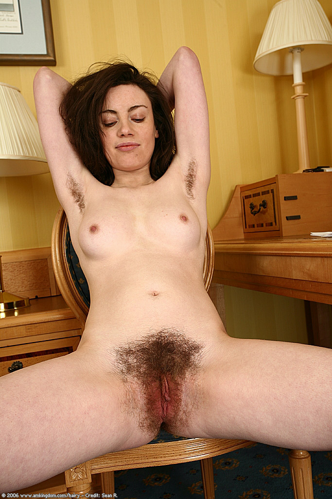 Natural hairy pusy