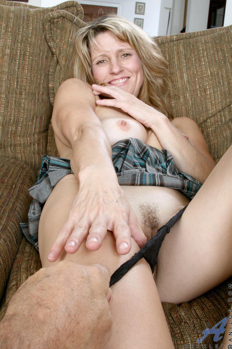 Blonde milf cougar porn-9959