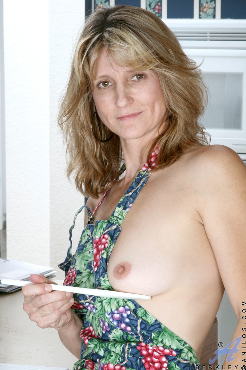 Small tits mom 40 year old