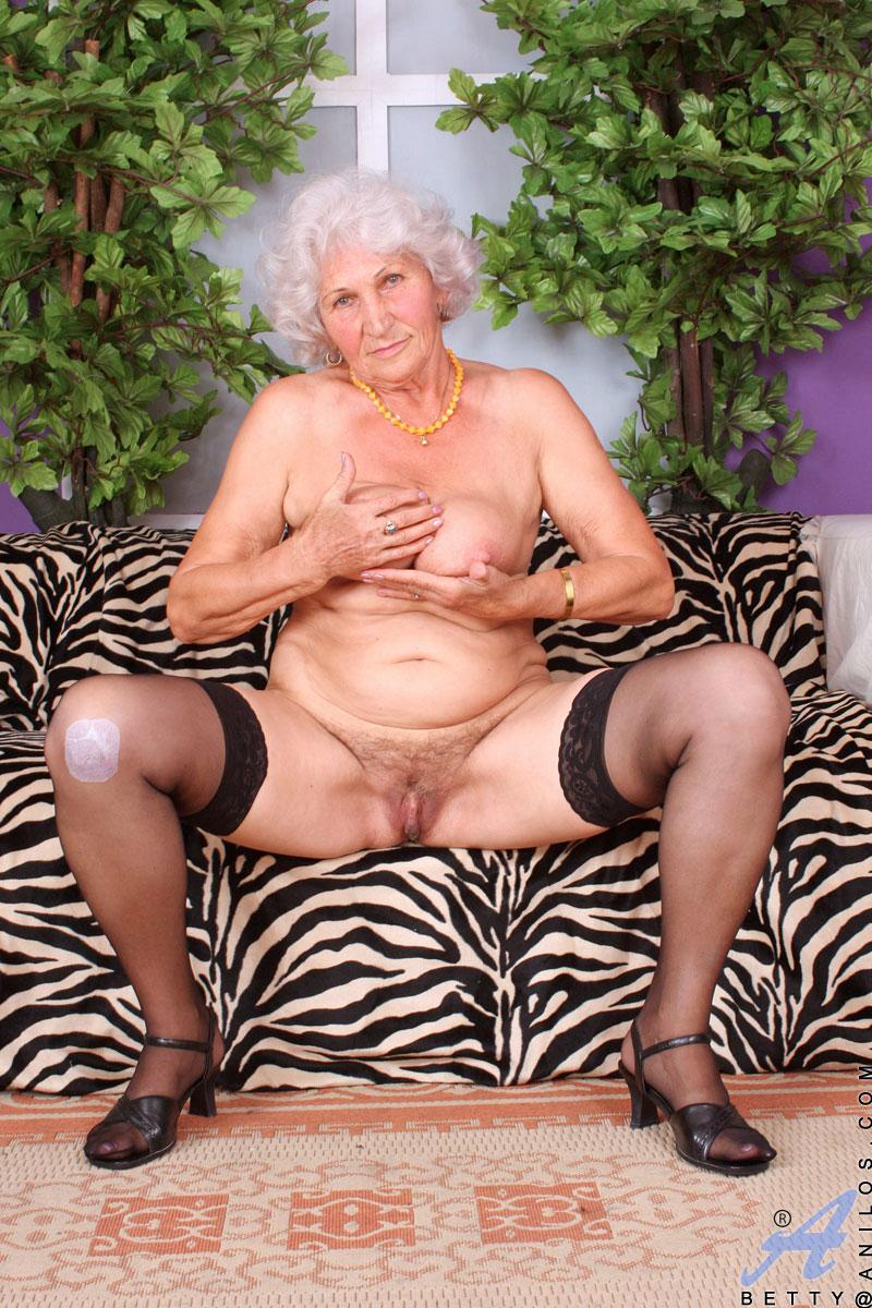 Betty - Horny Grandma-2375