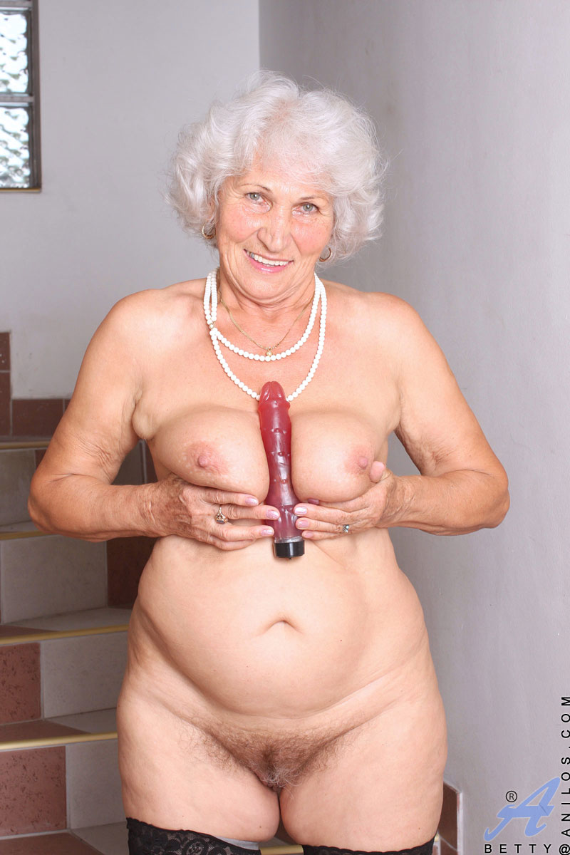 Betty - Granny Toy Sex-4783