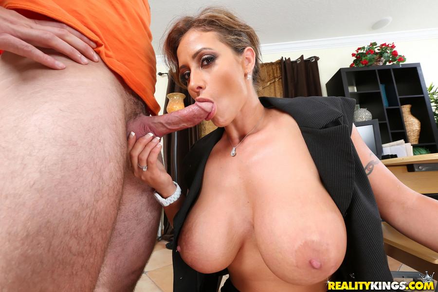 Pamela stephenson naked pussy