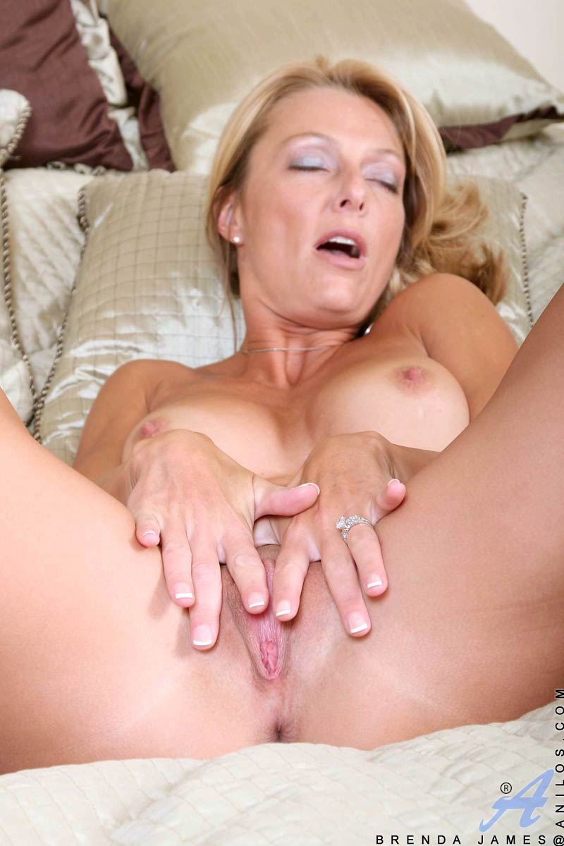 brenda-james-masturbating