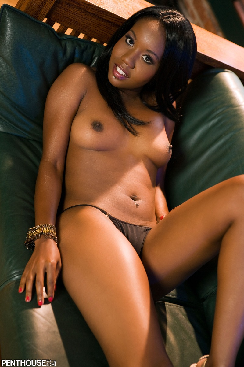 incredibly sexy naked black girl