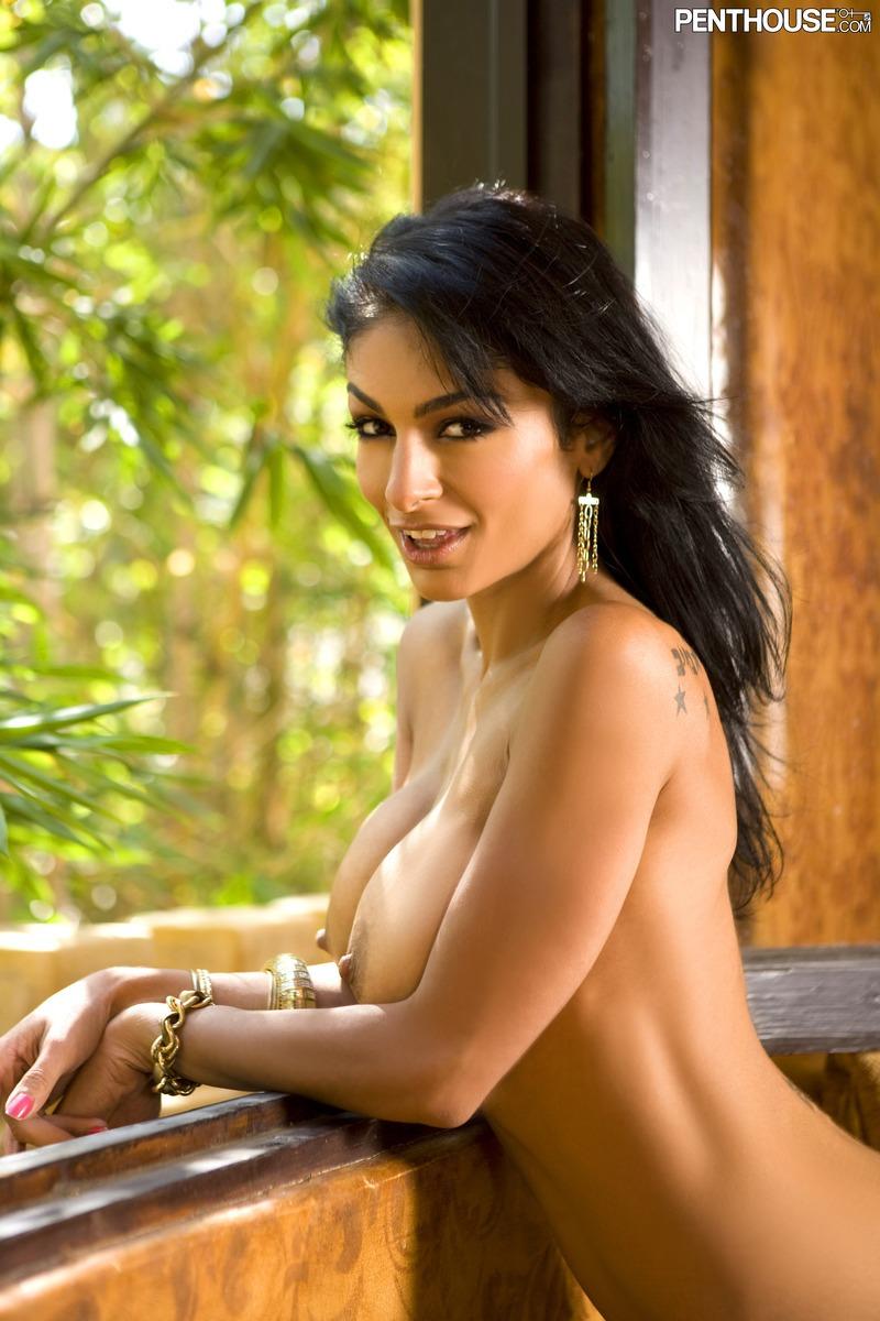 beautiful-women-of-iran-naked-girl-shares